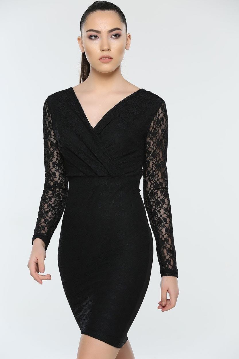 Schwarzes Kleid mit offenem Rücken und Spitzendetail