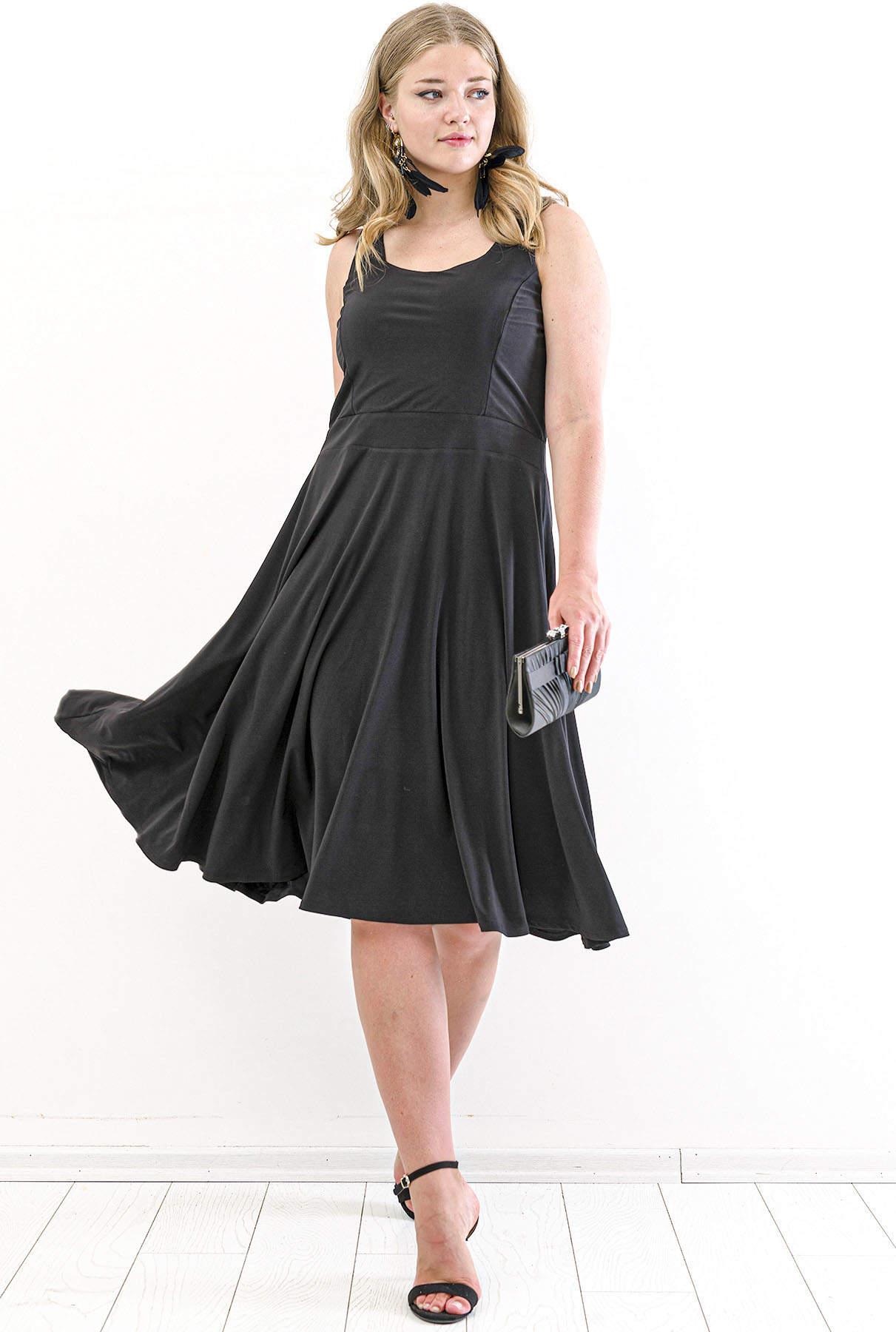 Schwarzes knielanges Kleid mit Riemendetail